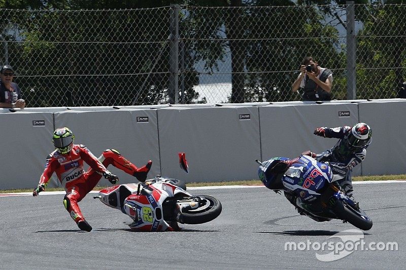 Iannone insists he couldn't have avoided Lorenzo crash