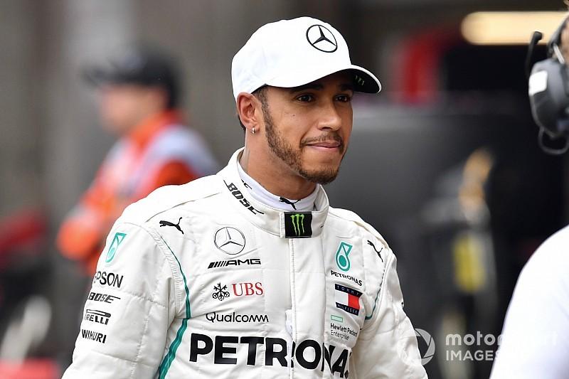 Fórmula 1: Lewis Hamilton y una ayuda a los jóvenes