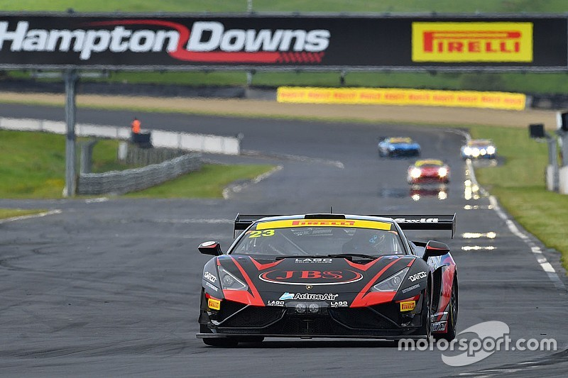Hampton Downs 101: Russell/Lago win after last-lap drama