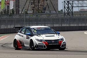 TCR Репортаж з гонки TCR, Сочі: Третя перемога Грачова