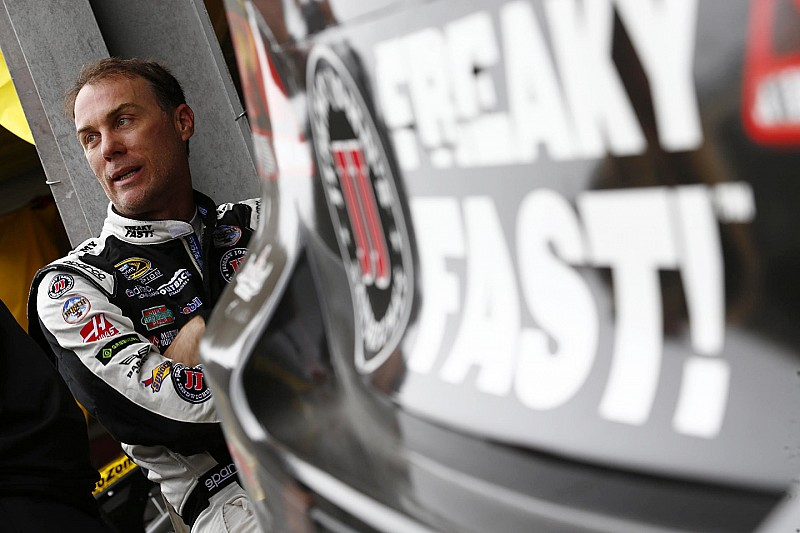 Harvick takes Homestead pole as title contenders struggle