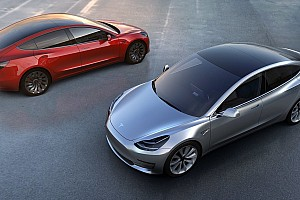 Automotive Nieuws 'Tesla start pas eind 2018 met levering Model 3'
