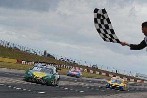 Stock Car Brasil Race report Brazilian V8 Stock Cars: Races full of alternatives award Felipe Fraga and Max Wilson