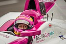 Pippa Mann crashes on Carb Day