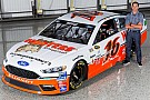 NASCAR Sprint Cup Hooters comes back to NASCAR with Alan Kulwicki throwback scheme