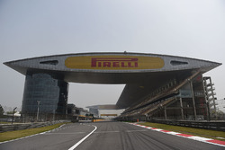 Overview of the starting grid