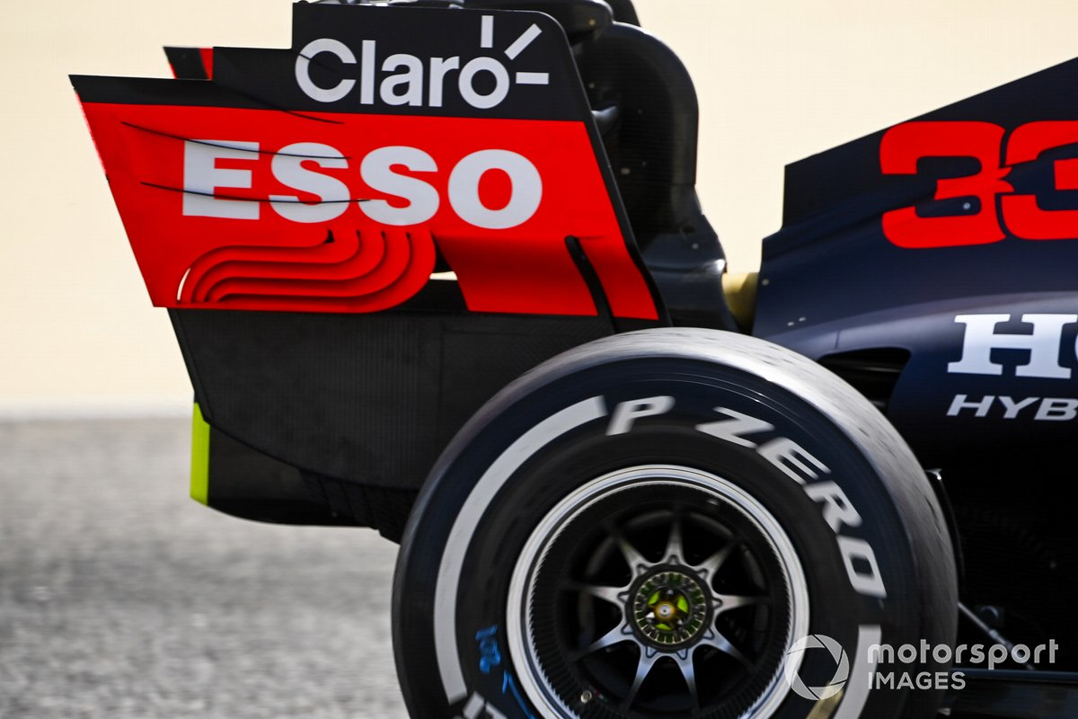 Red Bull Racing RB16B rear wing endplate