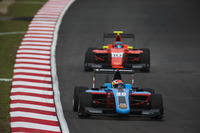 GP3 Photos - Arjun Maini, Jenzer Motorsport leads Tatiana Calderon, Arden International