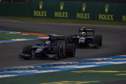 Rene Binder, Carlin leads Artem Markelov, RUSSIAN TIME