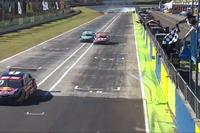 Stock Car Brasil Fotos - Cacá Bueno recebe bandeirada antes dos vencedores em Cascavel