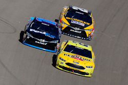 Joey Logano, Team Penske Ford, Denny Hamlin, Joe Gibbs Racing Toyota, Matt Kenseth, Joe Gibbs Racing Toyota