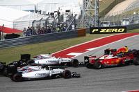 F1 写真 - Max Verstappen, Red Bull Racing RB12 leads Sebastian Vettel, Ferrari SF16-H; Valtteri Bottas, Williams FW38; Felipe Massa, Williams FW38 and Nico Hulkenberg, Force India VJM09