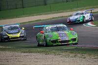 Carrera Cup Italia Foto - Mattia Drudi, Dinamic Motorsport - Modena precede Gianluca Giraudi, Ebimotors