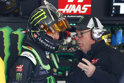 Kurt Busch, Stewart-Haas Racing Chevrolet with crew chief Tony Gibson