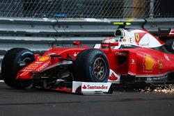 Temporada 2016 F1-monaco-gp-2016-kimi-raikkonen-scuderia-ferrari-sf16-h-loses-his-front-wing