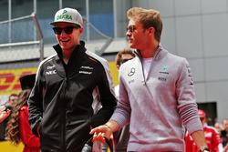 Nico Hulkenberg, Sahara Force India F1 and Nico Rosberg, Mercedes AMG F1 Team on the drivers parade