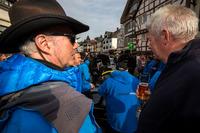Endurance Photos - James Glickenhaus talking to a fan