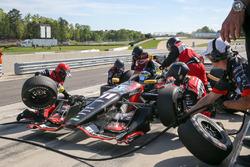 Sébastien Bourdais, KV Racing Technology Chevrolet pit action