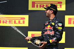 Podium: third place Daniel Ricciardo, Red Bull Racing celebrates with champagne