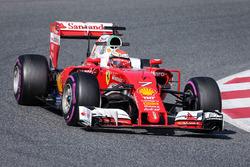 Formula 1 2016 Paint Schemes F1-barcelona-february-testing-2016-kimi-raikkonen-ferrari-sf16-h