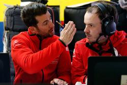 José María López, Citroën World Touring Car team is talking with the engineer