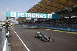 Temporada 2016 F1-malaysian-gp-2016-third-place-for-nico-rosberg-mercedes-amg-f1-w07-hybrid