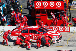 Kyle Larson, Chip Ganassi Racing Chevrolet pit action