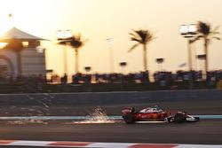 Kimi Raikkonen, Ferrari SF16-H sends sparks flying