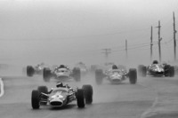 Formula 1 Photos - Start: Jim Clark, Lotus leads