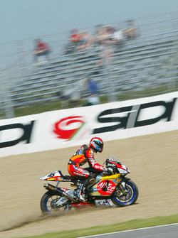 Colin Edwards, Aprilia Racing runs out