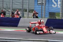 Temporada 2016 F1-austrian-gp-2016-sebastian-vettel-ferrari-sf16-h-retired-from-the-race-when-his-rear-ty