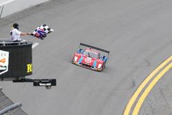#02 Chip Ganassi Racing Riley DP Ford: Scott Dixon, Tony Kanaan, Jamie McMurray, Kyle Larson takes the checkered flag