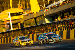 Todd Kelly, Nissan Motorsports and Lee Holdsworth, Team 18 Holden