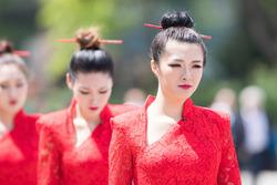 Chinese Grid Girls