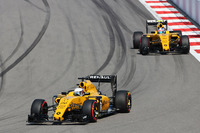 Formula 1 Photos - Kevin Magnussen, Renault Sport F1 Team RS16 leads team mate Jolyon Palmer, Renault Sport F1 Team RS16