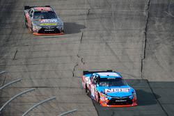 Erik Jones, Joe Gibbs Racing Toyota chasing Kyle Busch, Joe Gibbs Racing Toyota