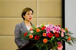 襄阳梦想方程式赛场有限公司副总经理赵艳芳发言