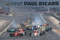 Формула 1 Фото - Старт гонки. Найджел Мэнселл лидирует