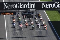 MotoGP 2016 Motogp-austrian-gp-2016-start-valentino-rossi-yamaha-factory-racing-andrea-iannone-ducati
