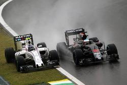 Temporada 2016 F1-brazilian-gp-2016-l-to-r-valtteri-bottas-williams-fw38-and-fernando-alonso-mclaren-mp4