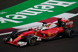 Sebastian Vettel, Ferrari SF16-H waves to the crowd at the end of the race