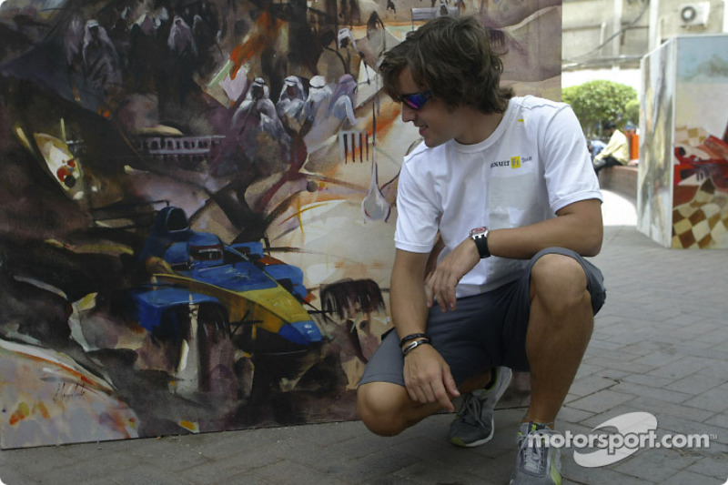Alonso reviews Bahrain weekend