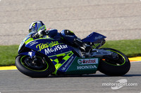Gibernau takes French GP pole position