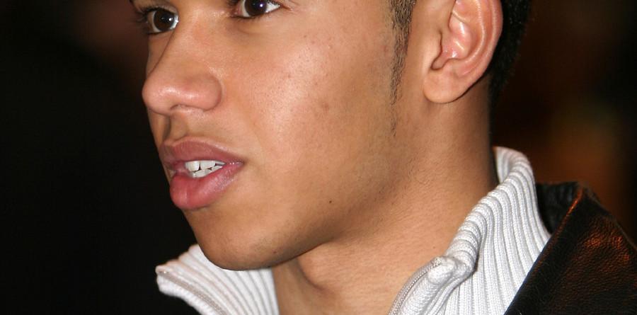 Hamilton lands ART GP seat for 2006