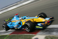 Alonso takes pole in tense European GP qualifying