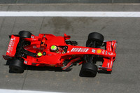 Massa wins battle for Spanish GP pole