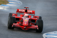 Rain affects first day of 2008 testing in Jerez