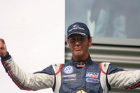 Vergne continues winning ways at Thruxton