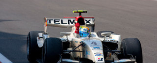 GP2 Perez dominates Abu Dhabi feature race