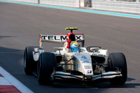 Perez dominates Abu Dhabi feature race
